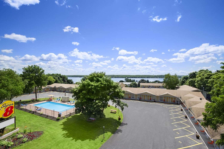 Exterior view - Super 8 Hotel Brockville
