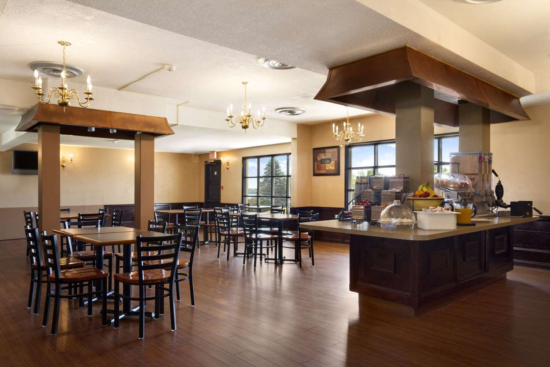 proam - Super 8 Hotel Brockville