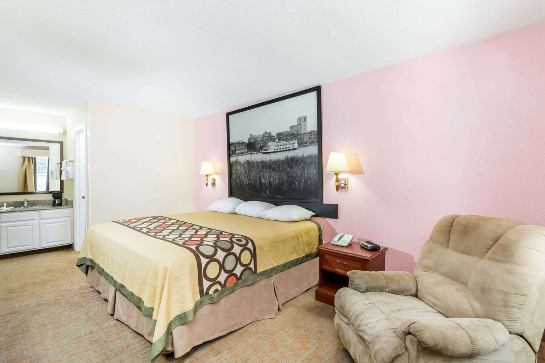 Room - Super 8 Hotel Statesboro