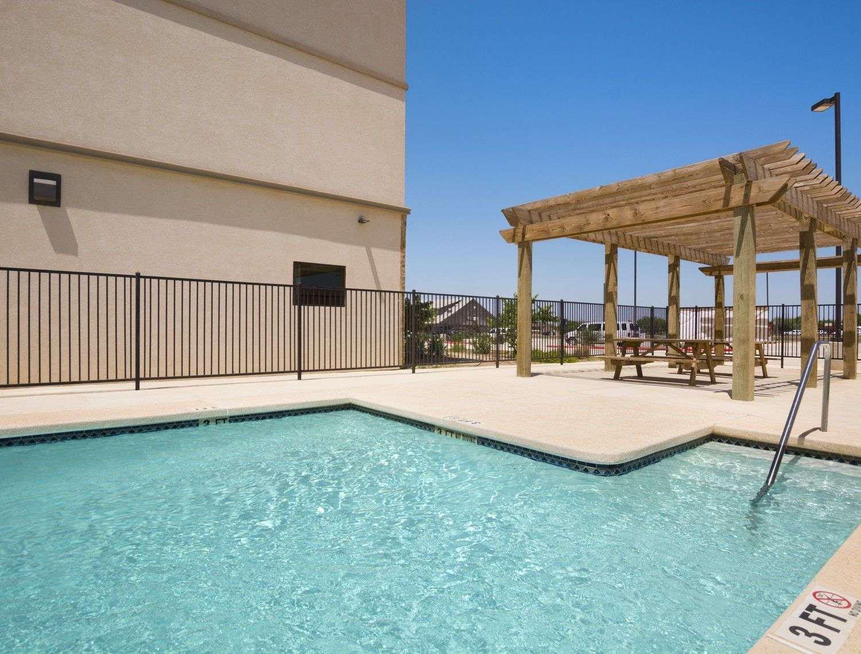 Pool - Baymont Inn & Suites Cotulla