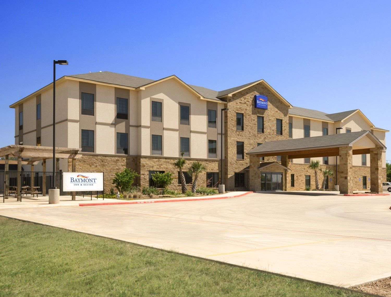 Exterior view - Baymont Inn & Suites Cotulla