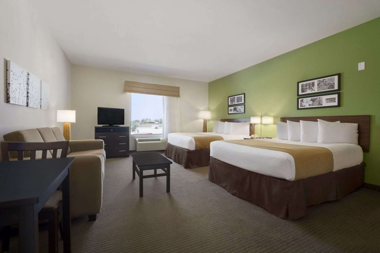 Suite - Baymont Inn & Suites Cotulla