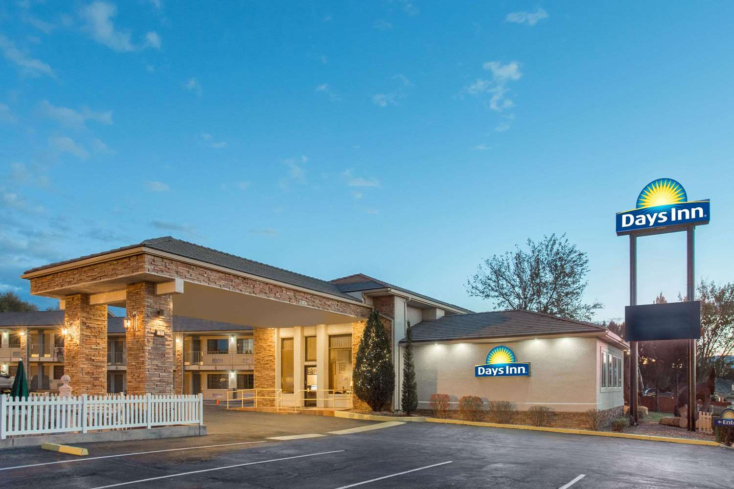 Exterior view - Days Inn Grand Junction