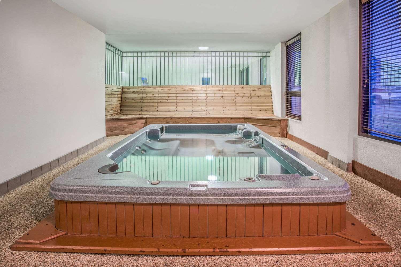 Pool - Baymont Inn & Suites Frisco