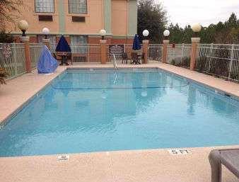 Pool - Baymont Inn & Suites Hinesville