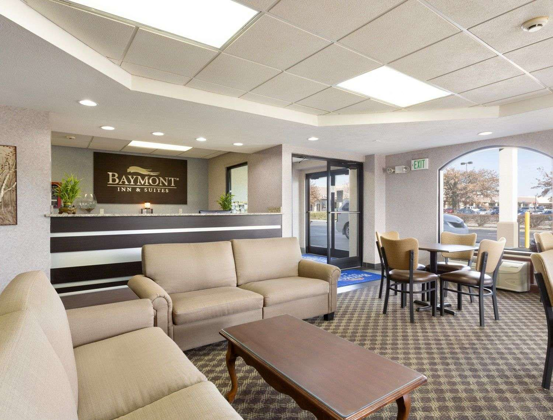 Lobby - Baymont Inn & Suites Gallatin