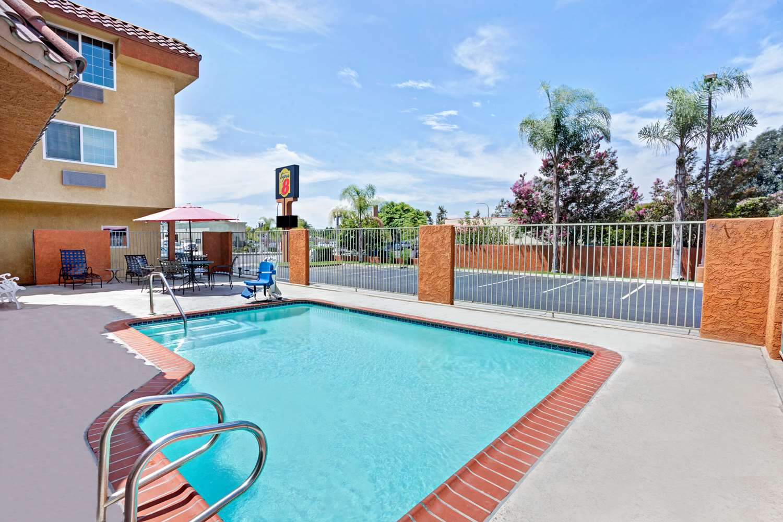 Pool - Super 8 Motel Cypress