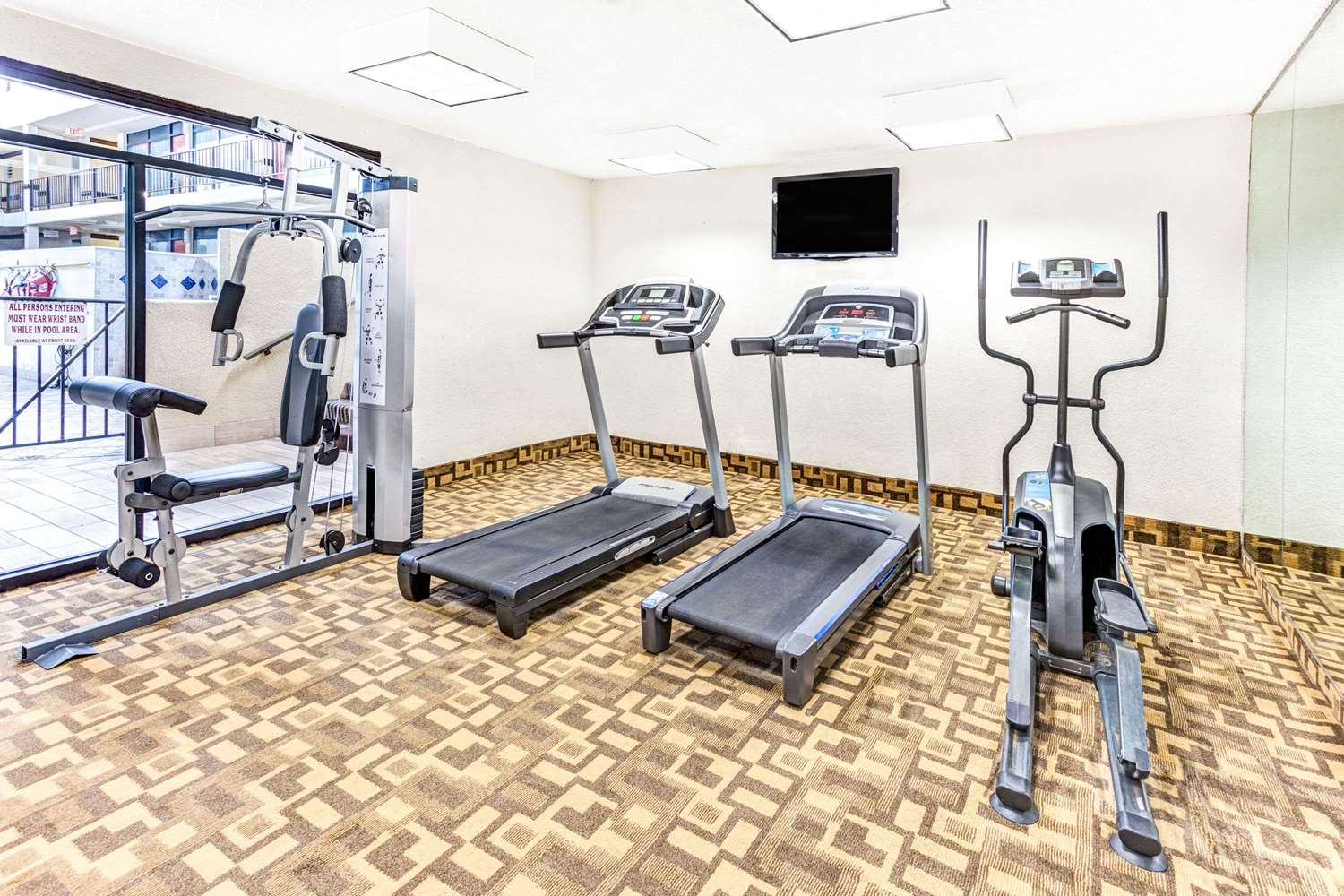 Fitness/ Exercise Room - Wyndham Hotel DTW Airport Romulus