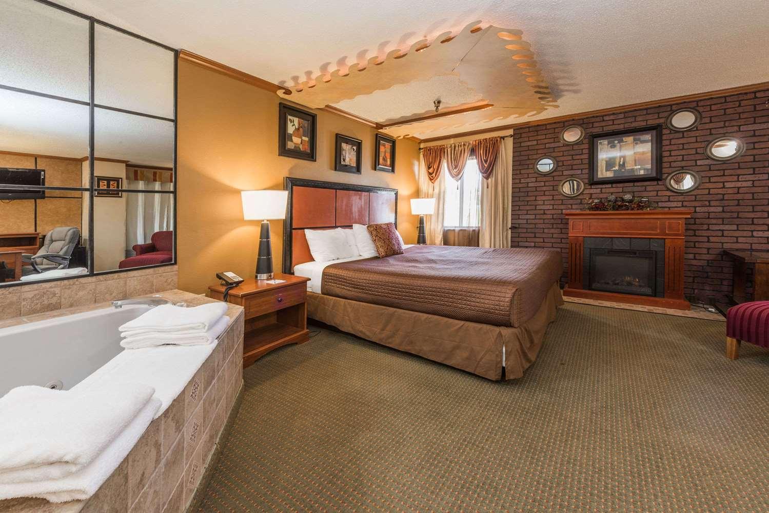 Suite - Baymont Inn & Suites Lancaster