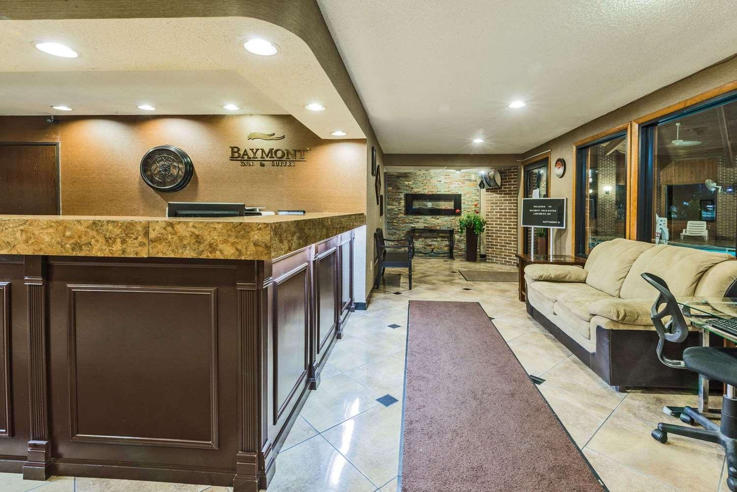 Lobby - Baymont Inn & Suites Lancaster