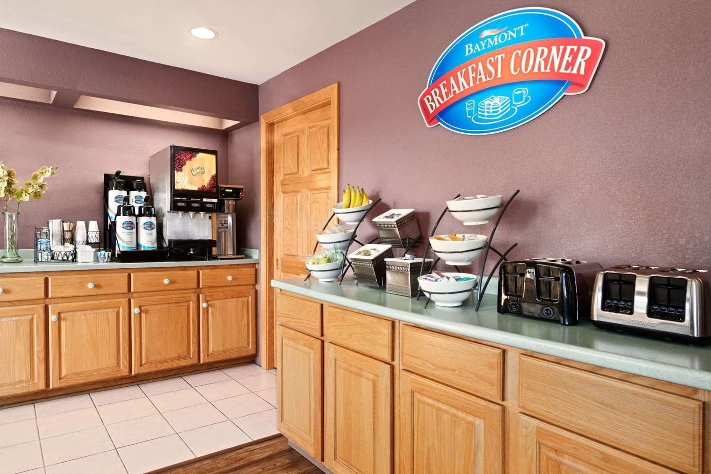 Restaurant - Baymont Inn & Suites Logan
