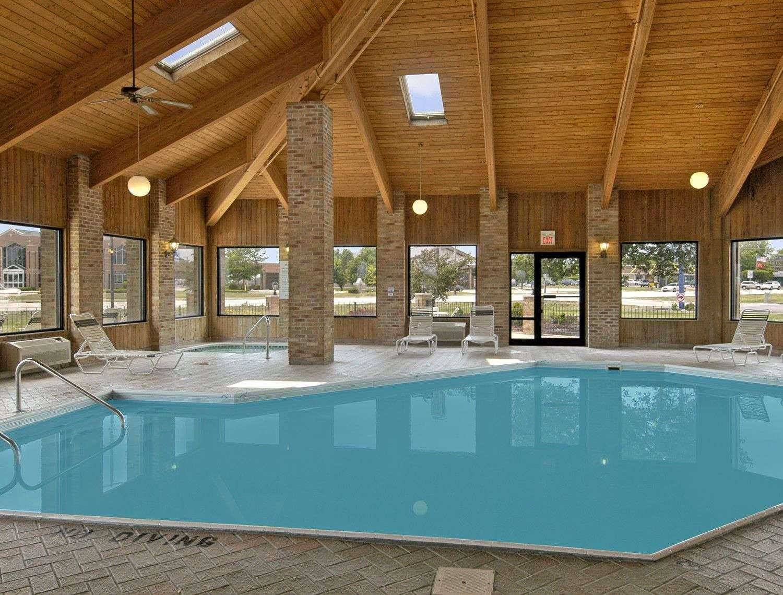 Pool - Baymont Inn & Suites Tuscola