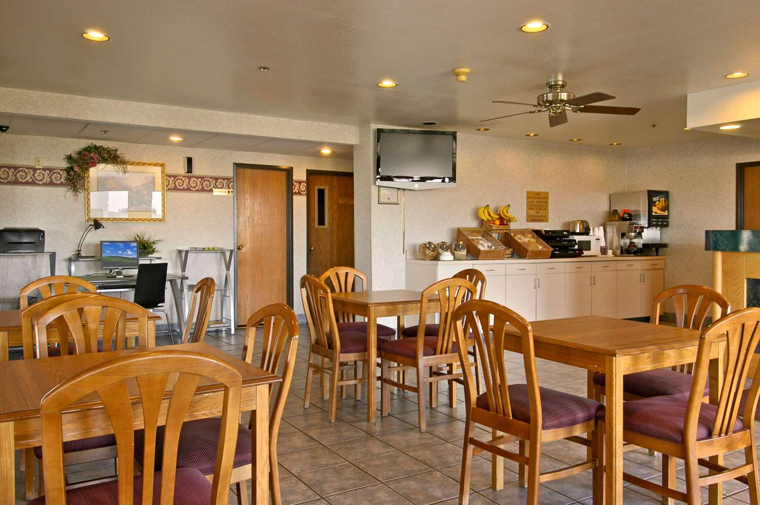 Restaurant - Baymont Inn & Suites Tuscola