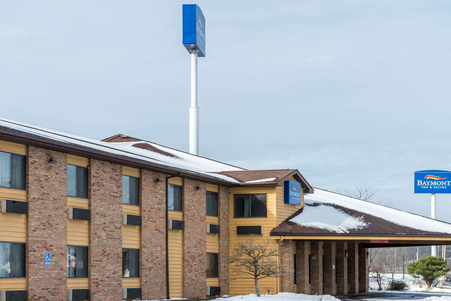 Baymont Inn & Suites Cambridge
