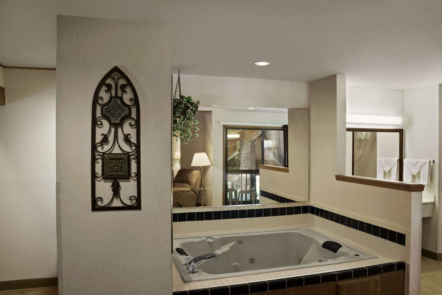 Suite - Baymont Inn & Suites Whitewater
