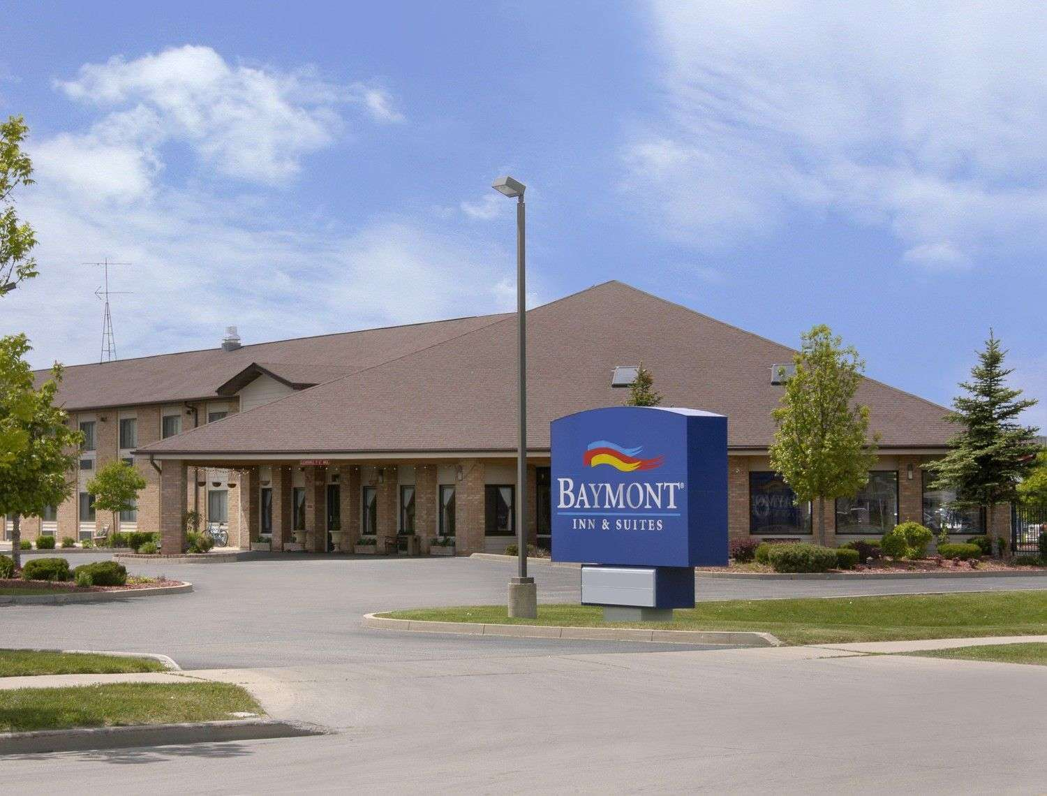 Exterior view - Baymont Inn & Suites Whitewater