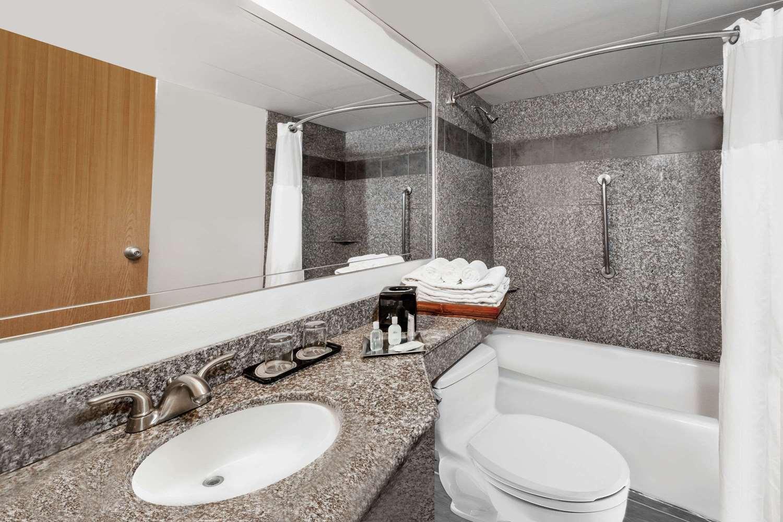 wyndham garden hotel conference center austin tx see. Black Bedroom Furniture Sets. Home Design Ideas