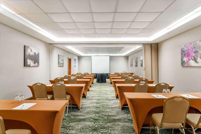 Wyndham Garden Hotel Conference Center Austin Tx See Discounts
