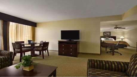 Suite - Wyndham Garden Hotel Airport Newark