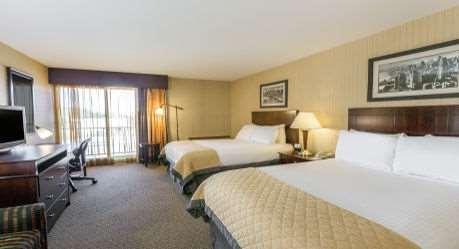 Room - Wyndham Garden Hotel Airport Newark