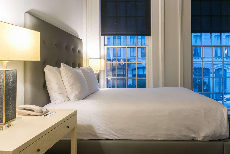 Room - Tremont House Wyndham Grand Hotel Galveston
