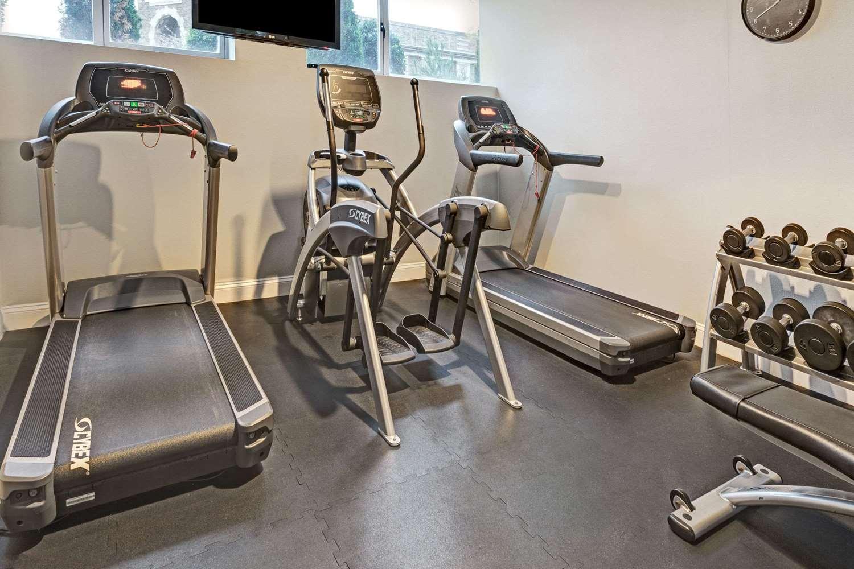 Fitness/ Exercise Room - Wyndham Garden Hotel Long Island City Queens