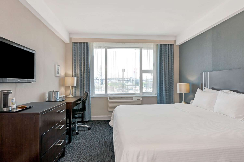 Room - Wyndham Garden Hotel Long Island City Queens