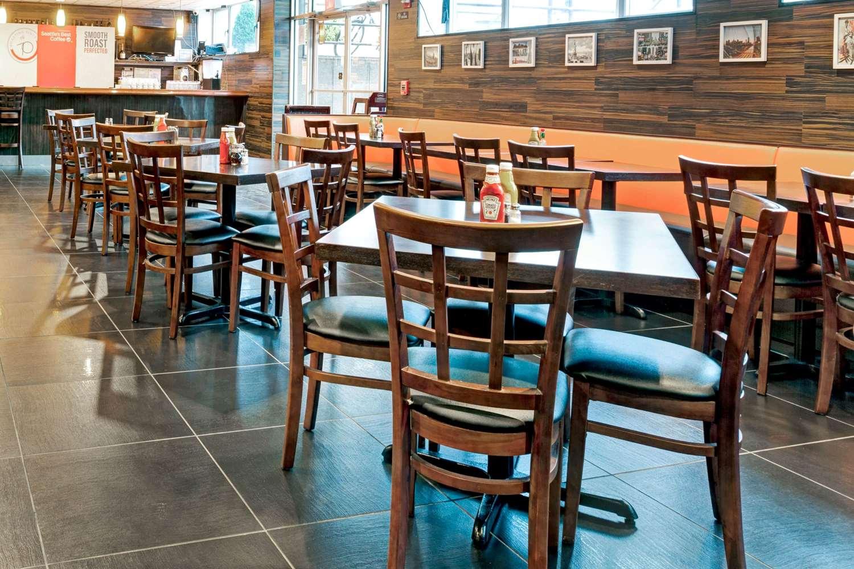 Restaurant - Wyndham Garden Hotel Long Island City Queens