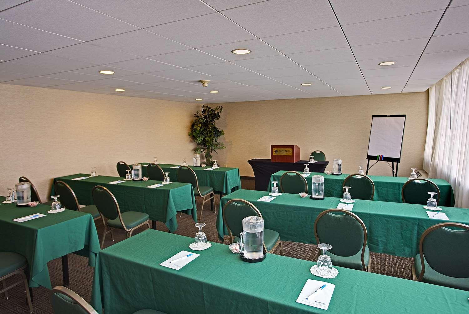 Meeting Facilities - Wyndham Garden Hotel Airport Essington