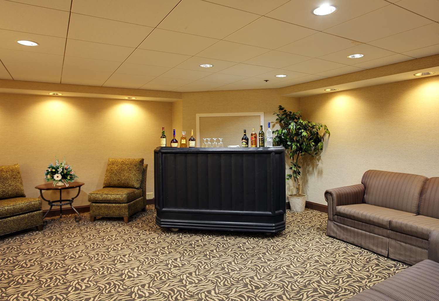Bar - Wyndham Garden Hotel Airport Essington