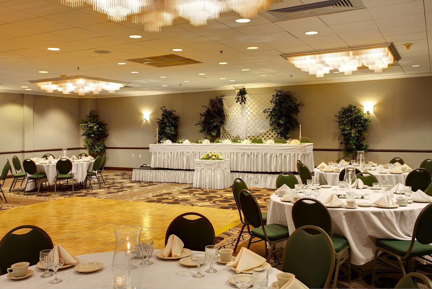 Ballroom - Wyndham Garden Hotel Airport Essington