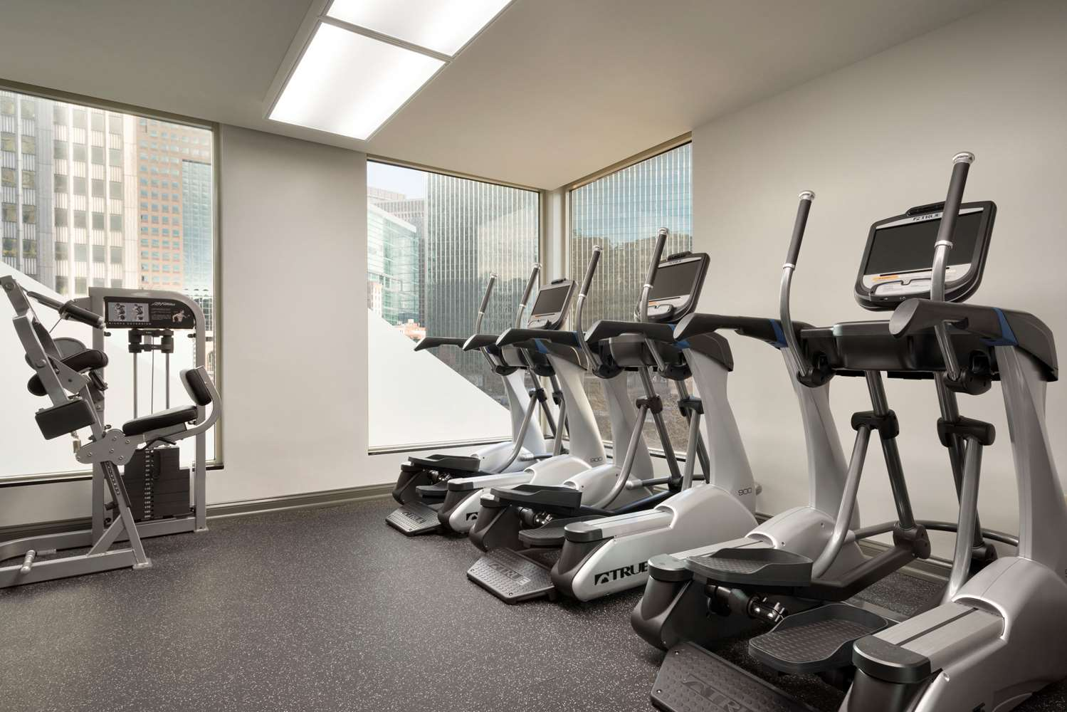 Fitness/ Exercise Room - Wyndham Grand Hotel Pittsburgh