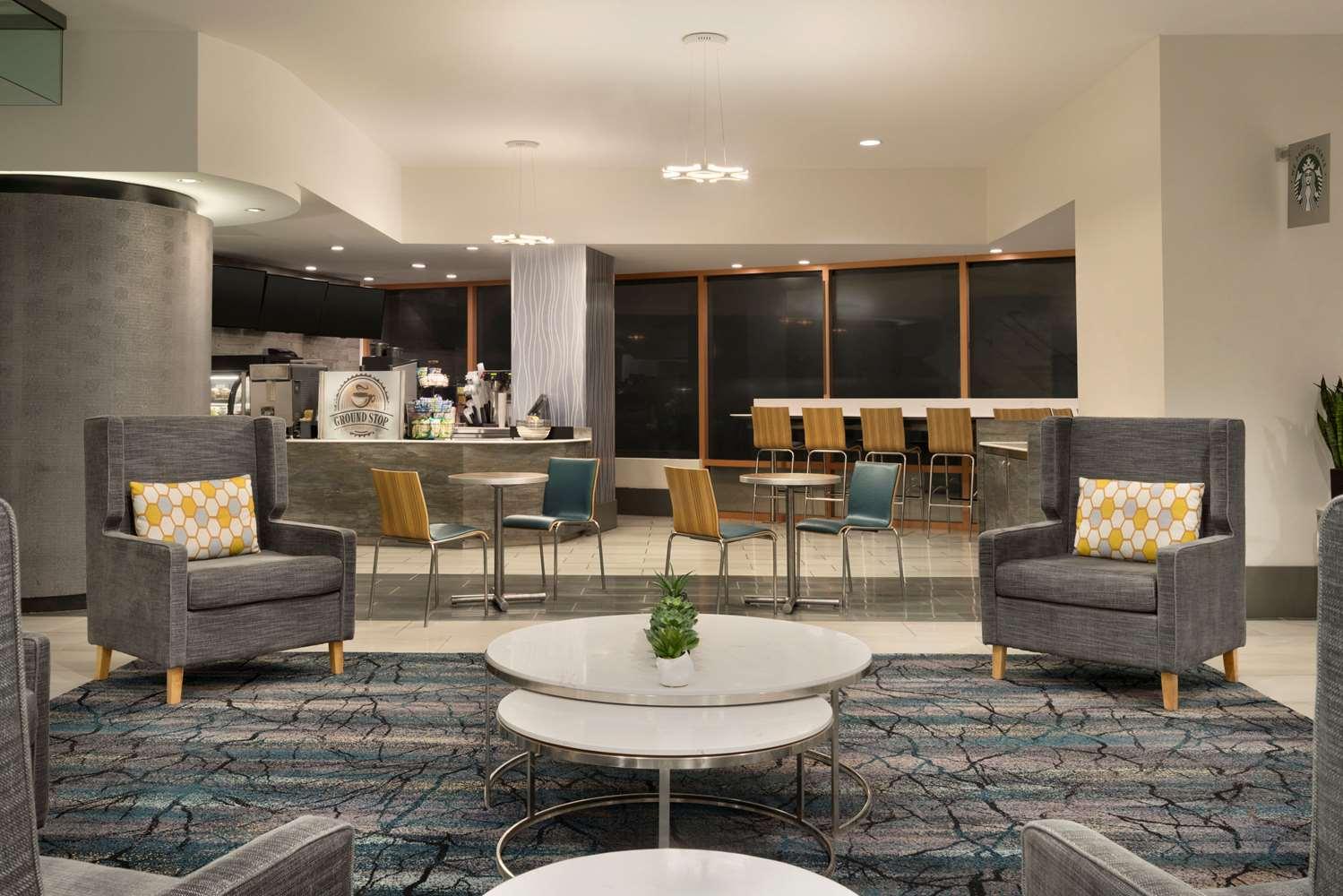 Lobby - Wyndham Grand Hotel Pittsburgh