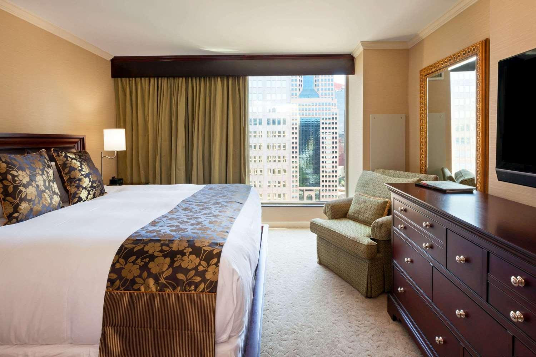 Suite - Wyndham Grand Hotel Pittsburgh