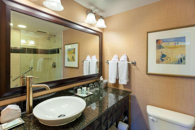 Room - Wyndham Grand Hotel Pittsburgh
