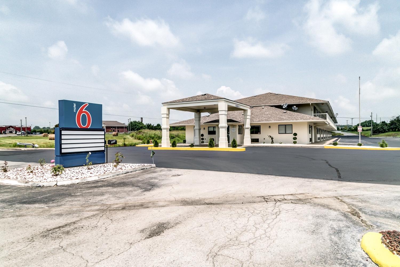 Motel 6 Berea, KY