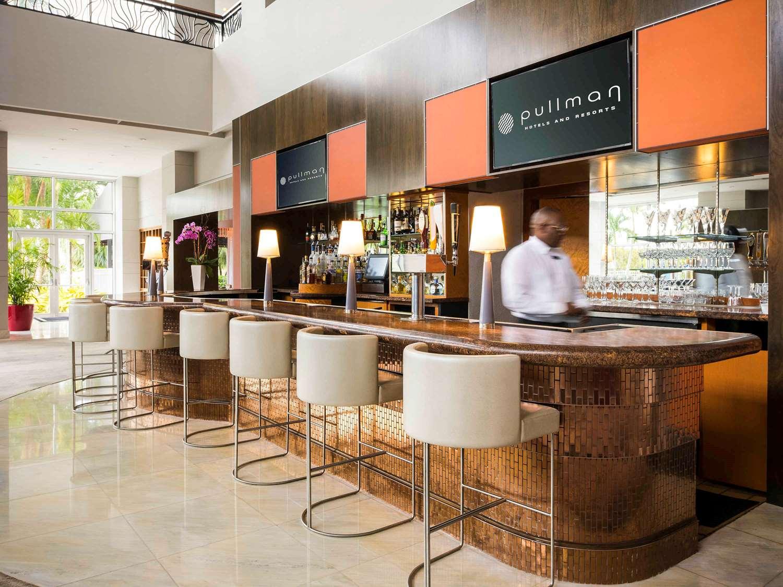 Bar - Hotel Pullman Airport Miami