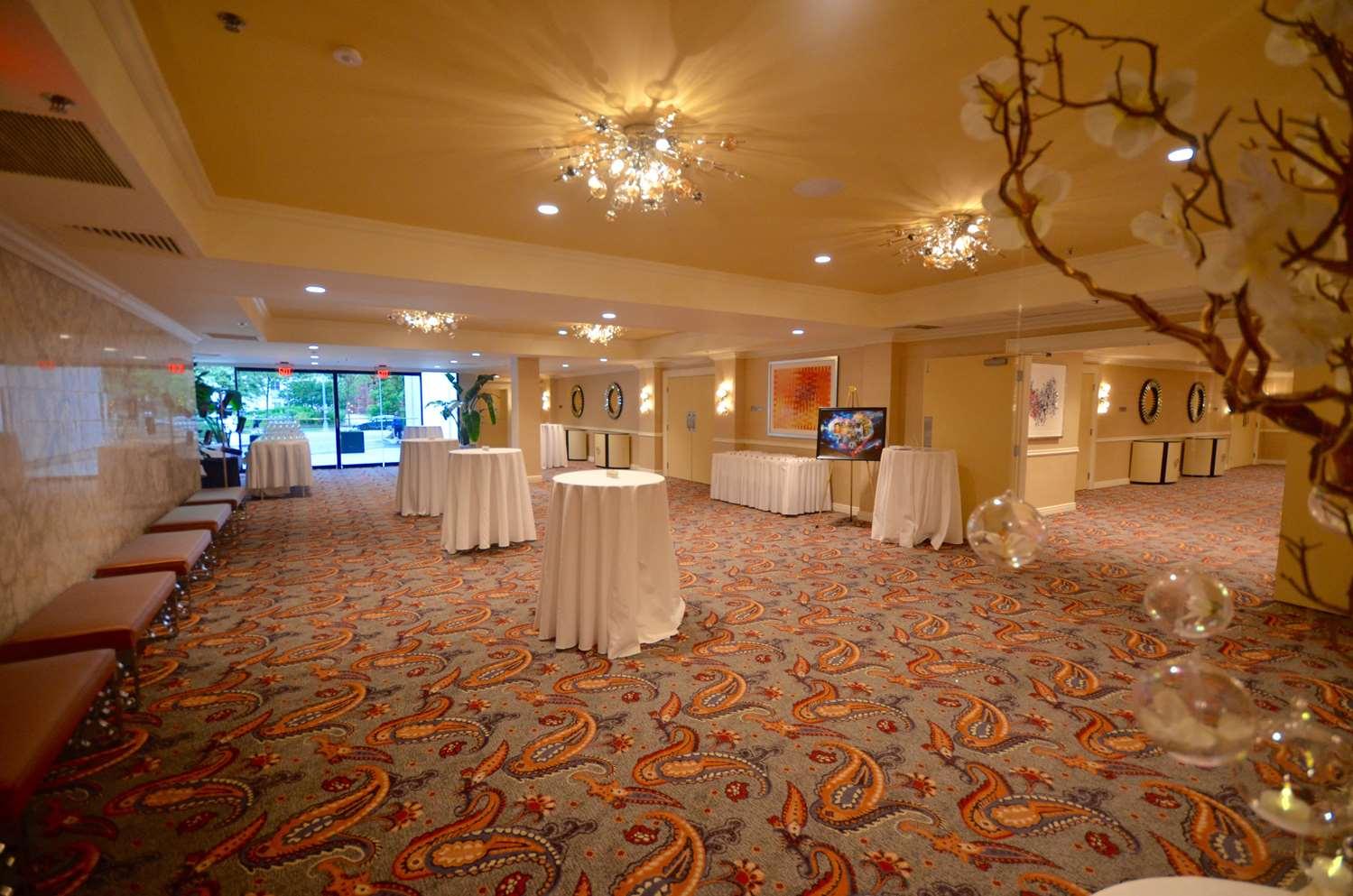 Lobby - Washington Plaza Hotel DC