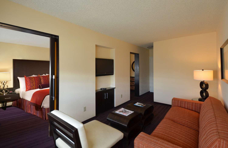 Suite - Washington Plaza Hotel DC