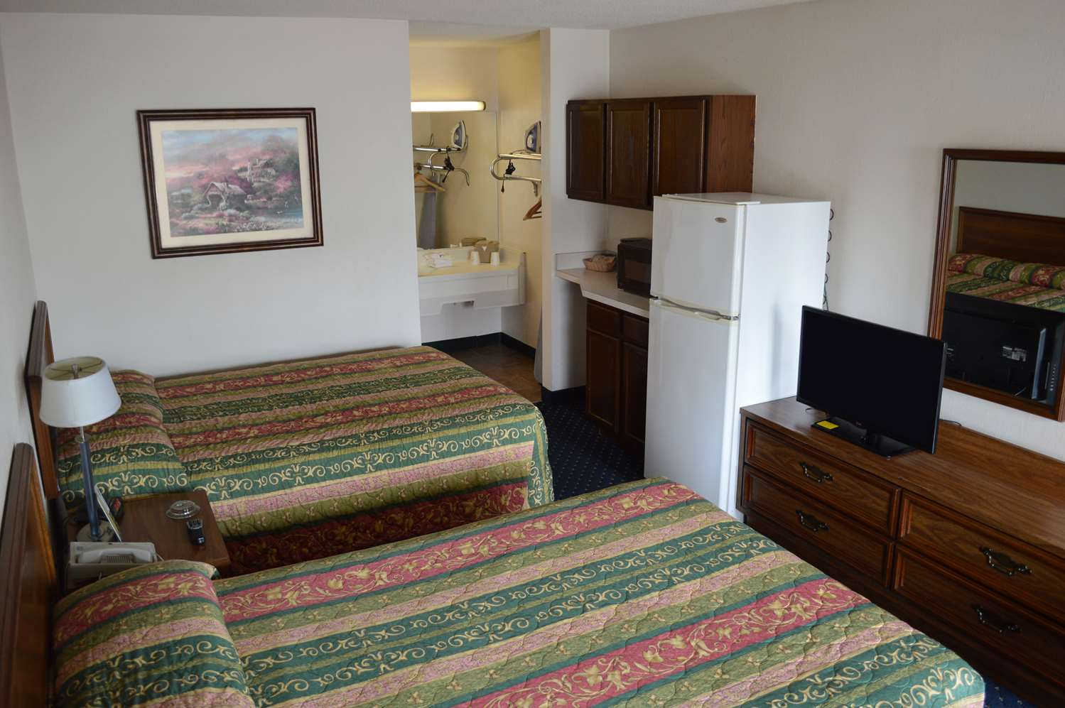 Room - Bluegrass Extended Stay Hotel Lexington