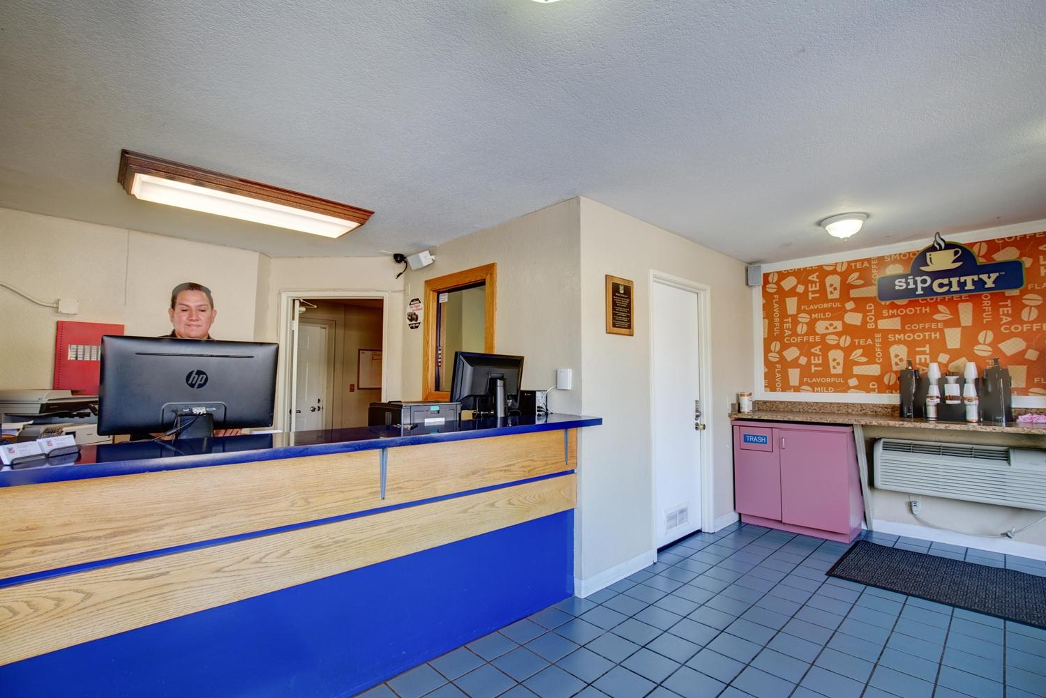 Lobby - Good Nite Inn Sylmar