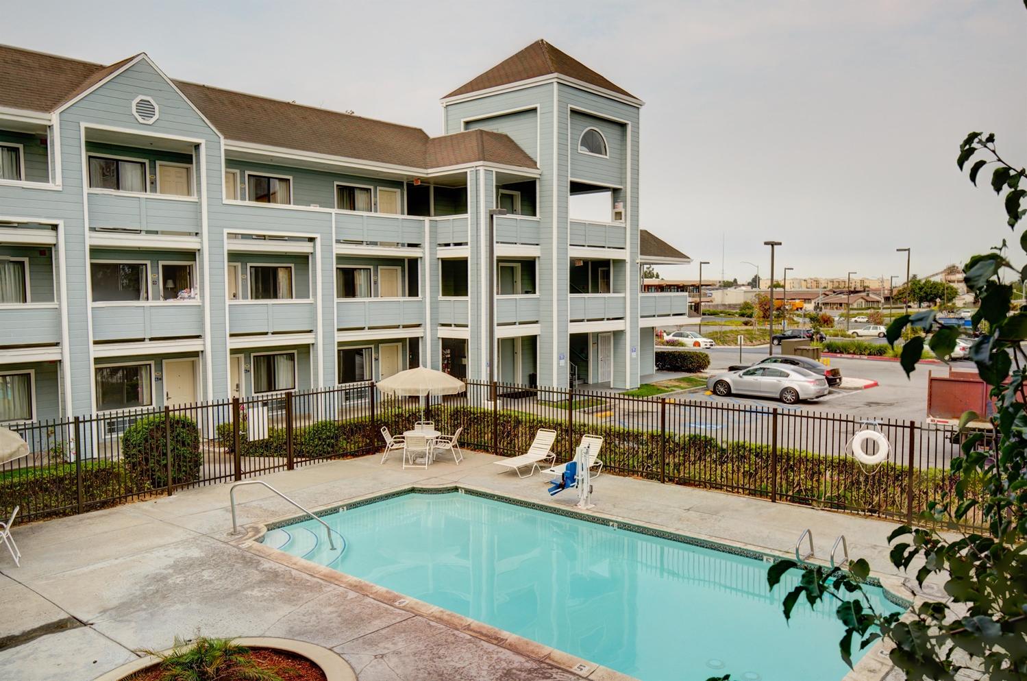 Pool - Good Nite Inn Salinas