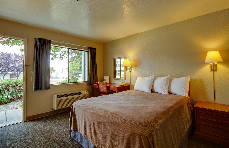 Room - Good Nite Inn Salinas