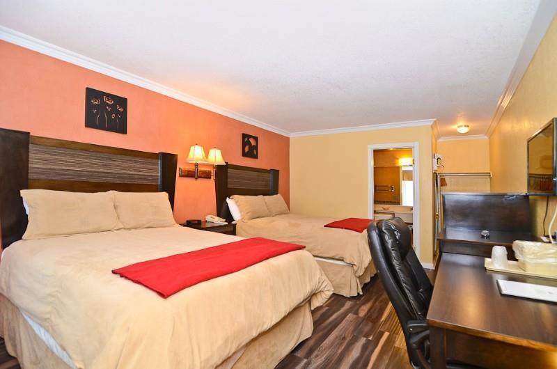 santa clarita motel newhall ca see discounts. Black Bedroom Furniture Sets. Home Design Ideas