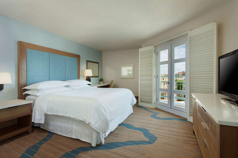 One Bedroom Jr Suite King Bed