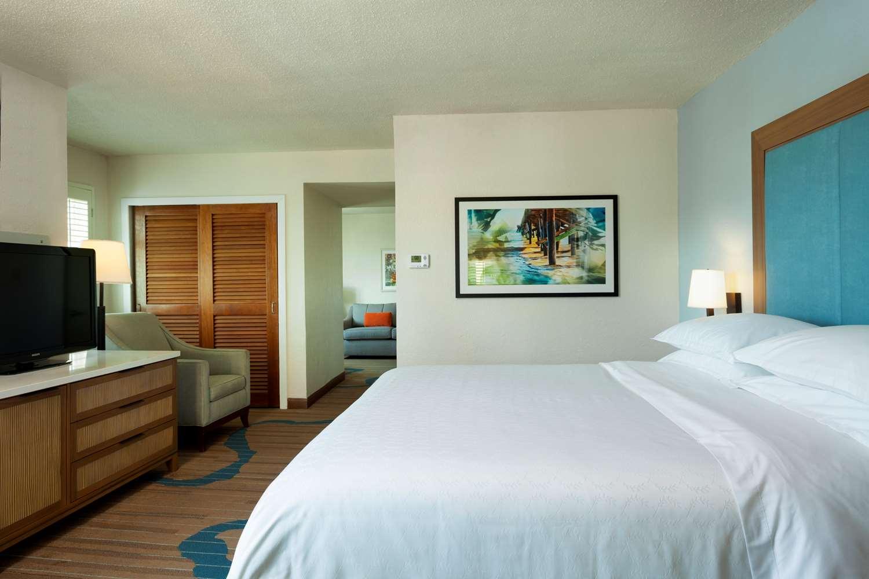 One Bedroom Jr. King