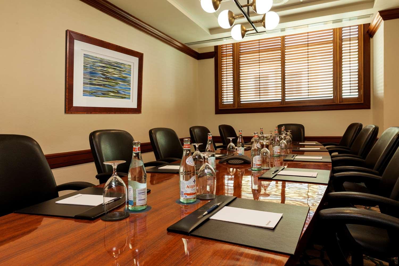 Tamarindo Boardroom
