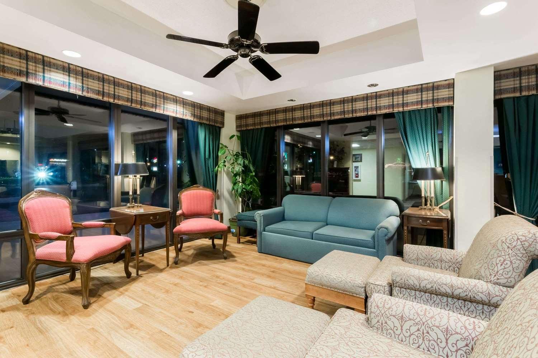 Lobby - Days Inn Marianna