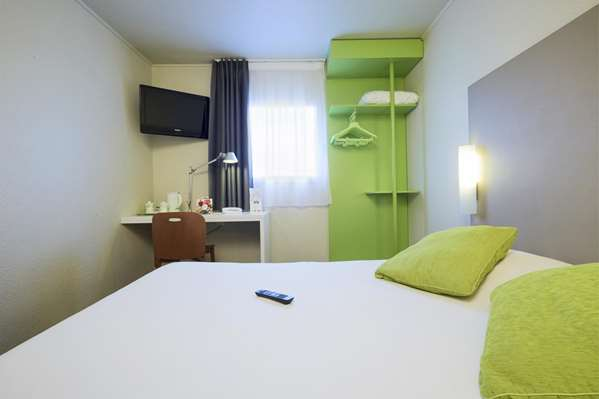 Bed and Breakfast Hotel Campanile Argenteuil