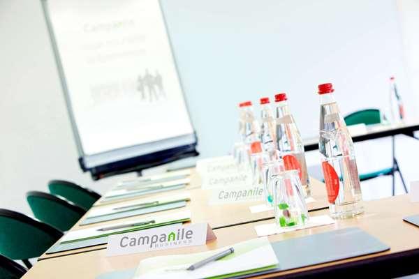 CAMPANILE BESANCON OUEST - Chateaufarine